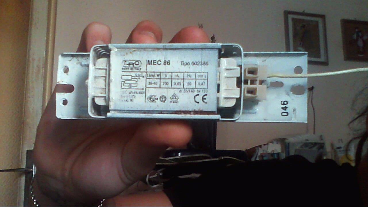 Schema Collegamento Neon Circolare : Collegamento lampade pin fai da te offgrid