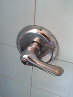 Miscelatore wc a muro indurito fai da te offgrid - Sciacquone bagno ...