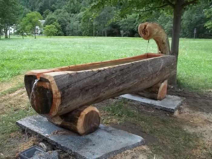 Lavori con motosega fai da te offgrid for Fontane in legno