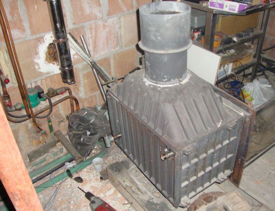 Il mio termocamino fai da te offgrid - Stufa a legna per termosifoni ...