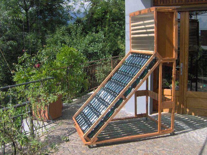 Pannello Solare Fai Da Te Con Bottiglie Di Plastica : Bellissimo essicatoio artigianale fai da te offgrid